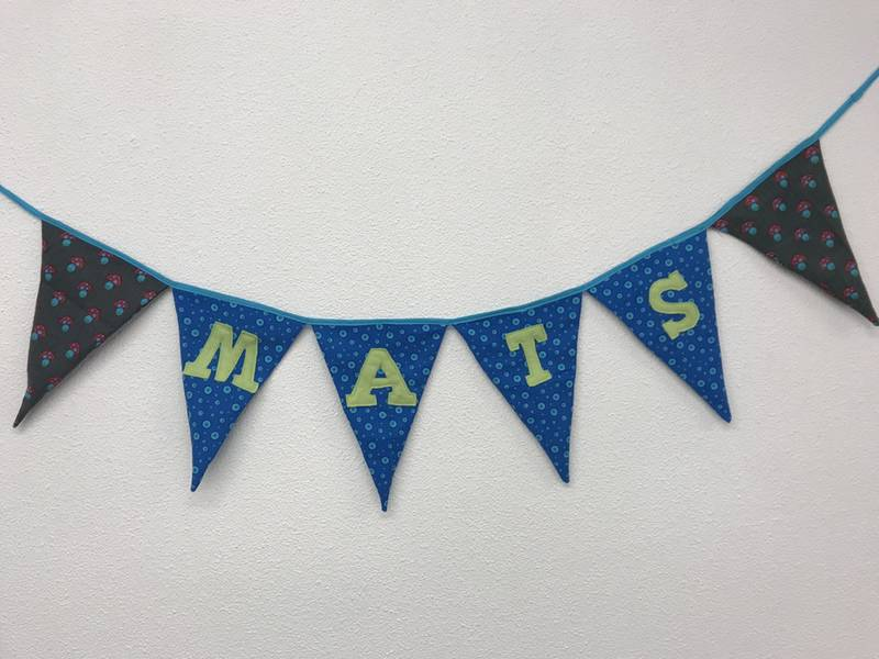 Vlaggenlijn Tour du ALS in wachtruimte Matsfysio